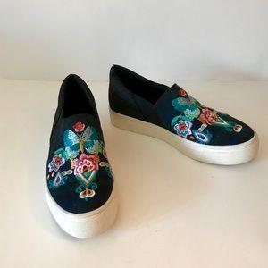 LAvery & Sage Platform Printed Tartan Sneakers